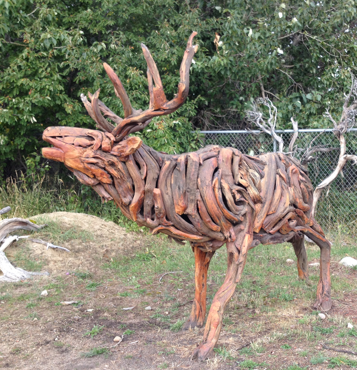22--MT14 elk sculpture